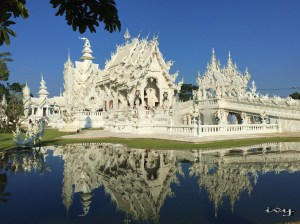 Wat Rong Khun that famous with White Temple